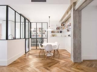 Appartamento M52 Sala da pranzo minimalista di THSC Minimalista