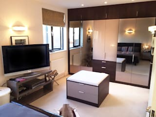 Crouch End Patience Designs Studio Ltd Modern style bedroom