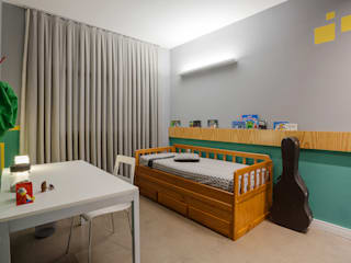 QUARTO DO FILHO: Quarto infantil  por Botti Arquitetura e Interiores-Natália Botelho e Paola Corteletti