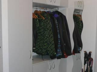schrankwerk.de Corredor, hall e escadasCabides e guarda-roupas Branco