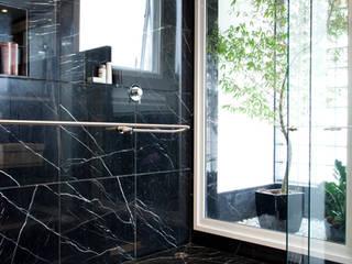 banheiro da suíte Master: Banheiros  por DecorArquitetura - Luciana Corrêa e Elaine Delegredo