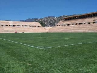 Estadio de Fútbol los Alebrijes: Casas de estilo  por Printemps