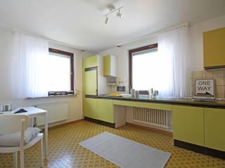 Birgit Hahn Home Staging Classic style kitchen