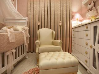 Детская комнатa в классическом стиле от Ahph Arquitetura e Interiores Классический