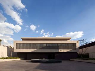 Fachada: Casas de estilo  por Aflo Arquitectos