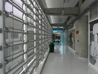 Diseño Bioclimático: Casas de estilo  por Veronica Henriques - Arquitectura Sostenible, Moderno
