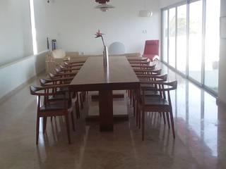 escala1.4 Casas de estilo moderno Mármol Blanco