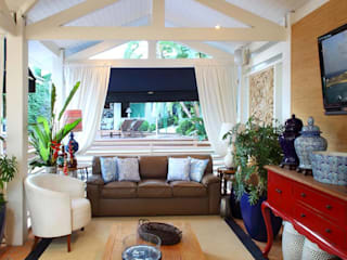 Garasi Tropis Oleh Studio 262 - arquitetura interiores paisagismo Tropis