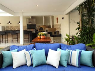 Rustic style garage/shed by Studio 262 - arquitetura interiores paisagismo Rustic
