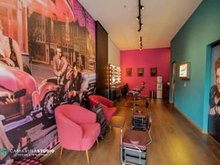 Espacios comerciales de estilo ecléctico de Camarina Studio Ecléctico