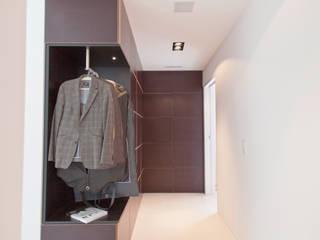 efh haggenweg | oberuzwil Moderner Flur, Diele & Treppenhaus von einfall7 GmbH Modern