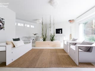 Scandinavian style living room by federica basalti home staging Scandinavian