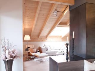 «las stailas» Ferienwohnung | lantsch Rustikale Wohnzimmer von einfall7 GmbH Rustikal