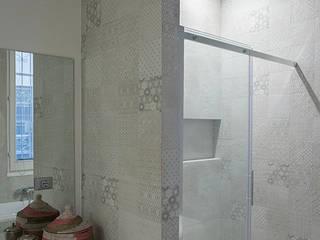 ArchEnjoy Studio 現代浴室設計點子、靈感&圖片