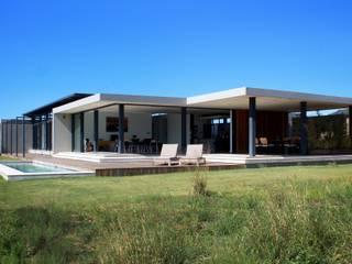 Monaghan Farm House 104-1 REIS Modern Houses