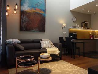 Apartament na wynajem w centrum Krakowa Eklektyczny salon od Viva Design - projektowanie wnętrz Eklektyczny