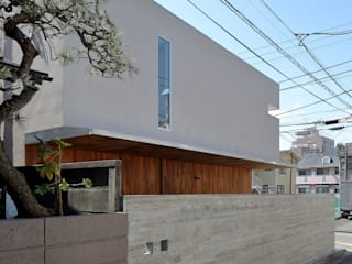 アトリエ スピノザ Casas modernas Bege