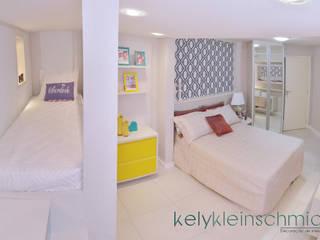 Quarto de férias: Quartos  por Kely Kleinschmidt Interiores,Moderno