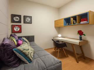 Home Office: Escritórios  por Botti Arquitetura e Interiores-Natália Botelho,Moderno MDF