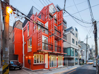 Orange Cube House: Design Guild의  주택