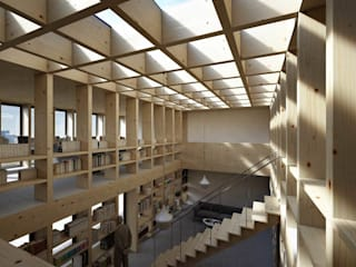 Pasillos, vestíbulos y escaleras minimalistas de a*l - alexandre loureiro arquitectos Minimalista