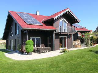 Casas de estilo clásico de RO-REI Holzhaus GmbH & Co.KG Clásico