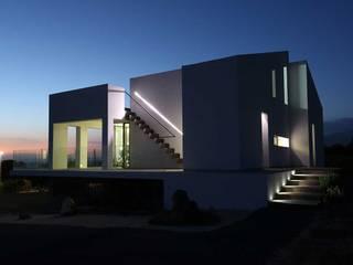 VILLA P Case in stile minimalista di COTTONE+INDELICATO ARCHITETTI Minimalista