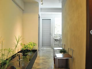 Apartment at Bukit Ho Swee:  Garden by Quen Architects,Asian