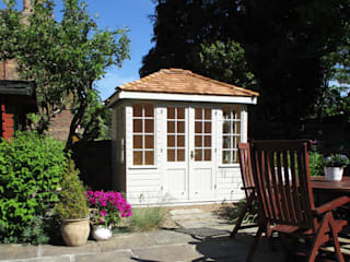 Cley Summerhouse: classic  by CraneGardenBuildings, Classic