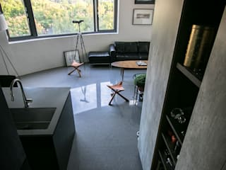 NATURALLY:  客廳 by 璞碩室內裝修設計工程有限公司