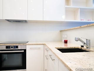 GRANMAR Borowa Góra - granit, marmur, konglomerat kwarcowy Cocinas de estilo moderno Granito