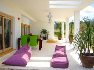 Benirrás Casas de estilo mediterráneo de AMOMA ARQUITECTURA Mediterráneo