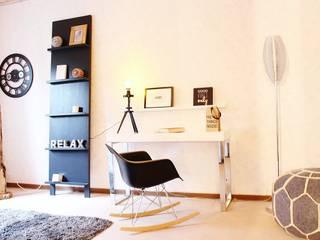 RETRO-LOOK – BUNGALOW WIEDER JUNG Nicole Schütz Home Staging Moderne Arbeitszimmer