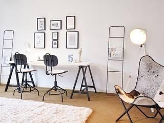 """BUNGALOW GANZ """"HYGGELIG"""" Nicole Schütz Home Staging Skandinavische Arbeitszimmer Weiß"""