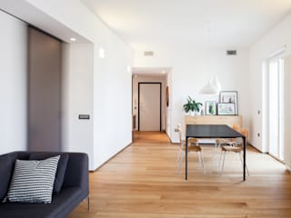 Minimalist living room by M2Bstudio Minimalist