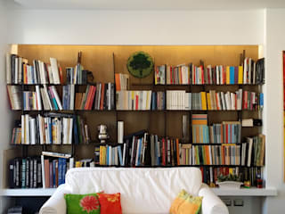 Appartamento residenziale nel quartiere Nomentano.: Soggiorno in stile  di studioQ, Moderno