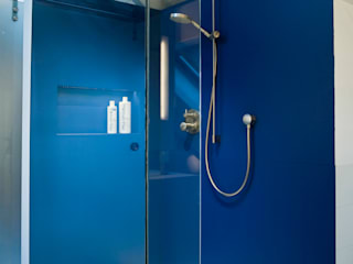 Modern Bathroom by raum.4 - Die Meisterdesigner Modern