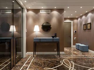 Phòng thay đồ phong cách hiện đại bởi Студия дизайна интерьера в Москве 'Юдин и Новиков' Hiện đại