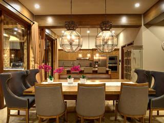 Ruang Keluarga Gaya Mediteran Oleh INTERPRIKA Mediteran