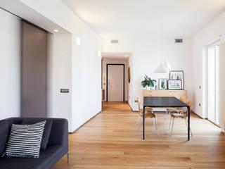 M2B Studio · Casa SR Soggiorno moderno di Studio Vetroblu_Stefano Ferrando Moderno