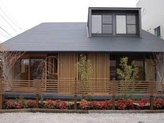 環アソシエイツ・高岸設計室 Casas de estilo minimalista Madera