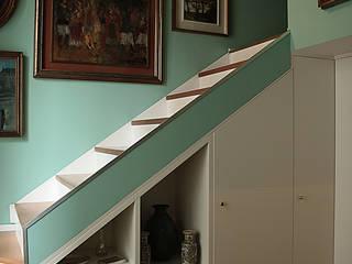 Pasillos, vestíbulos y escaleras de estilo clásico de Giorgio Gravina Clásico