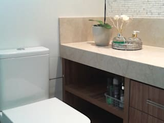 Atelier Plural Modern bathroom Wood Multicolored