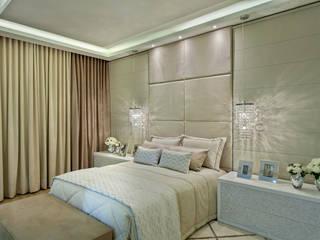 Casa Indaiatuba: Quartos  por Designer de Interiores e Paisagista Iara Kílaris,Moderno