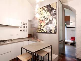 Salas modernas de diegogiovannenza|architetto Moderno