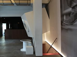 Bar & Klub  oleh diegogiovannenza|architetto, Industrial
