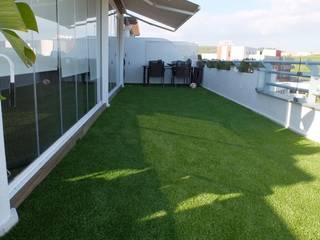 Renovación completa de terraza Balcones y terrazas de estilo moderno de COBERTI Moderno