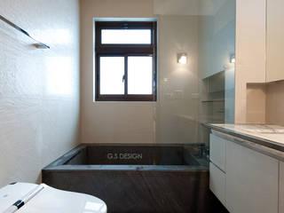 Ванные комнаты в . Автор – 八軒室內裝修工程有限公司, Скандинавский