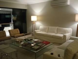 Livings de estilo moderno de Bahia Infra Moderno
