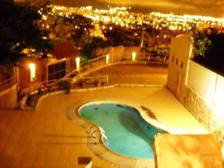 Ampliación piscina y quincho: Piletas de estilo  por Valy,Moderno